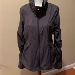 Lululemon jacket sz 6
